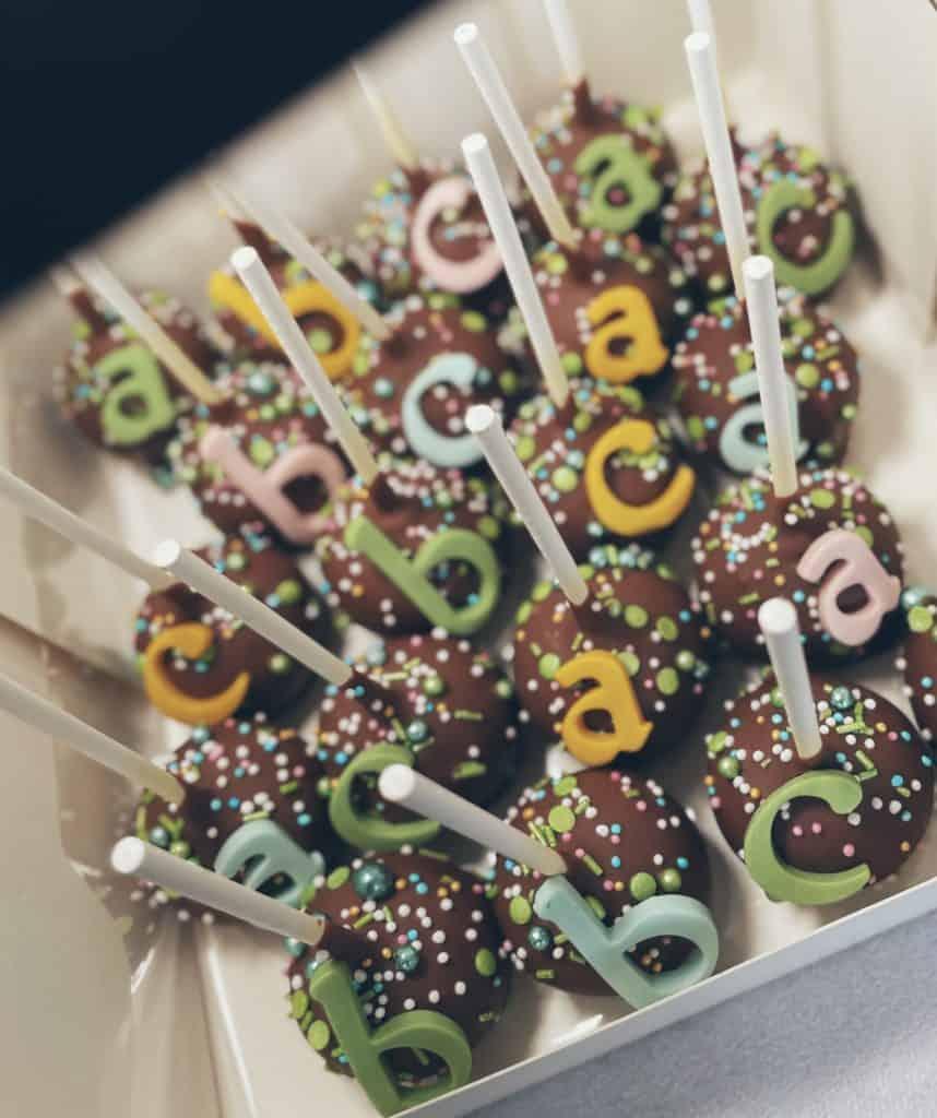 """Cake Pops """"ABC"""" 20 Stück zum Vorteilspreis"""